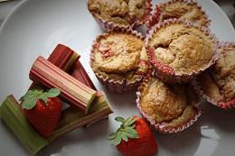Rabarber aardbei muffin - ontbijt - sandrakookt.nl